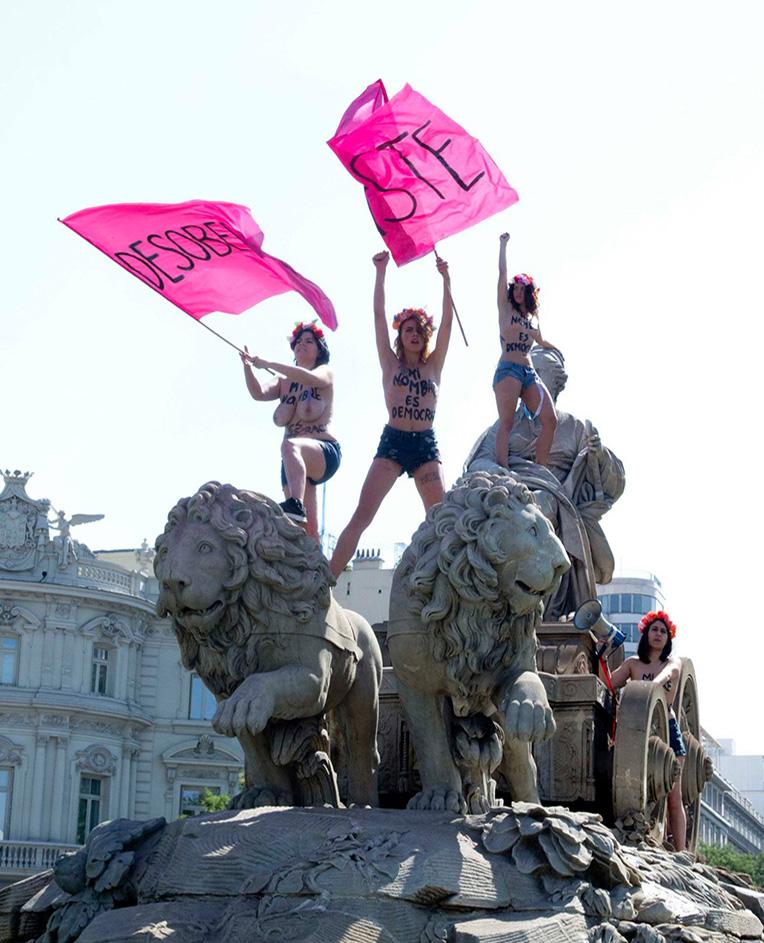 <p>Femen protestan en La Cibeles</p>